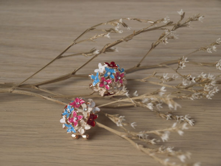 Изключително нежни обеци на цветя
