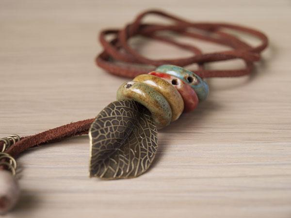 Гривна-огърлица Autumn, с керамични камъчета
