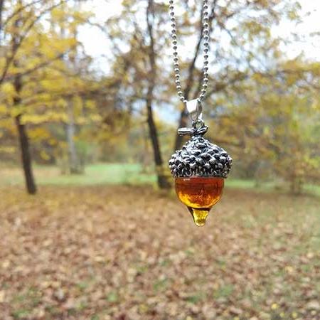 medalion-silver-acorn
