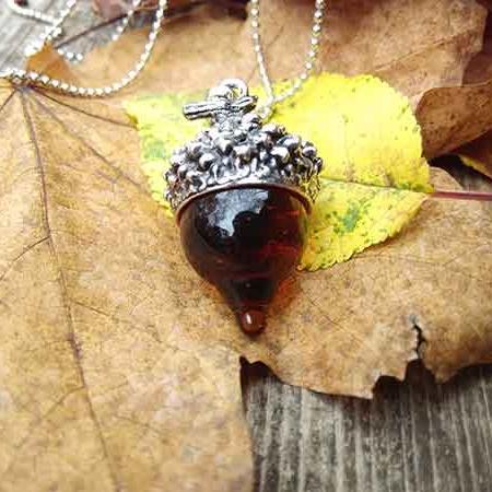 silver-acorn-autumn